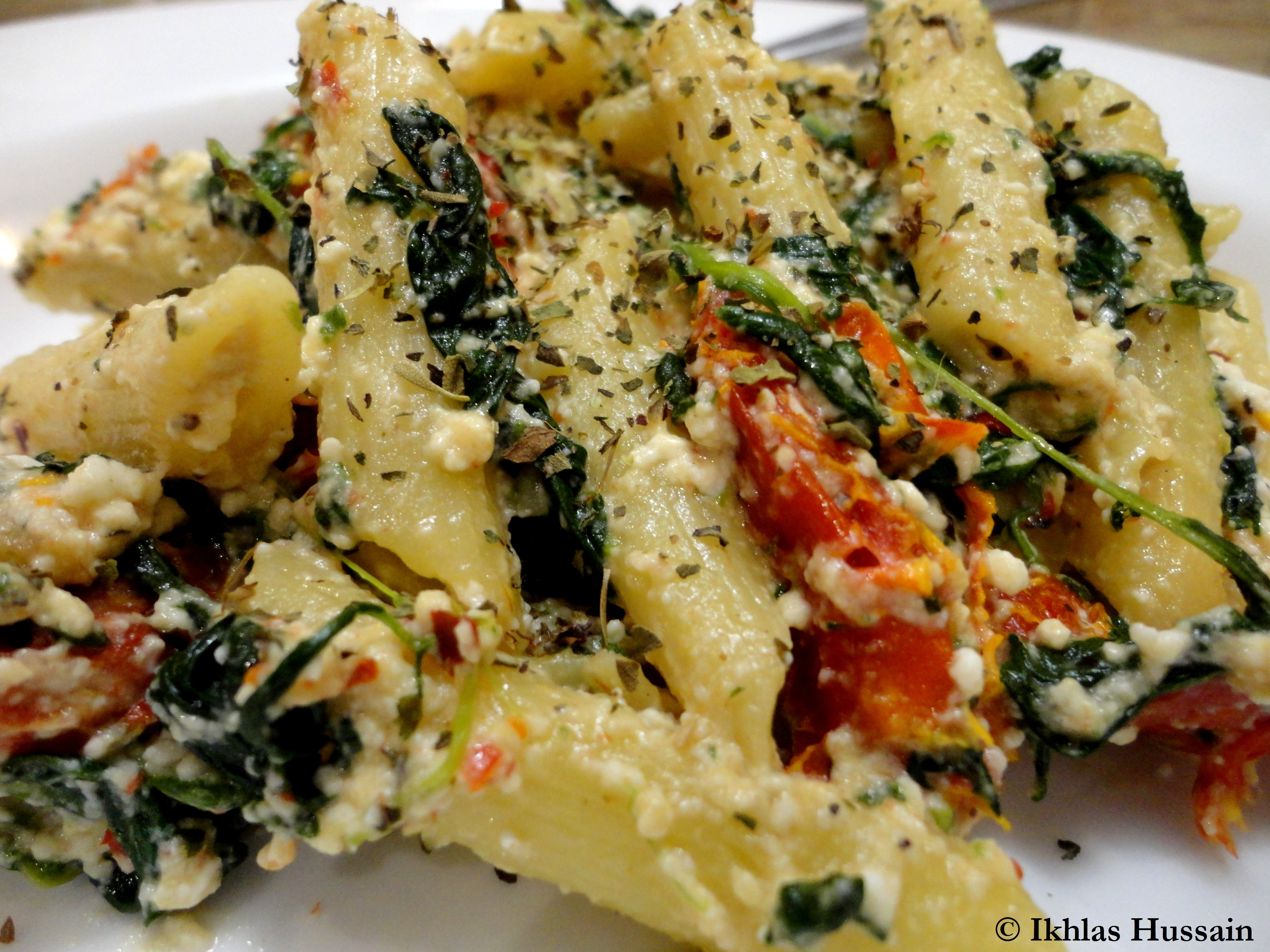 Recipe: Sun Dried Tomato and Spinach Pasta - The Whimsical Whims of ...