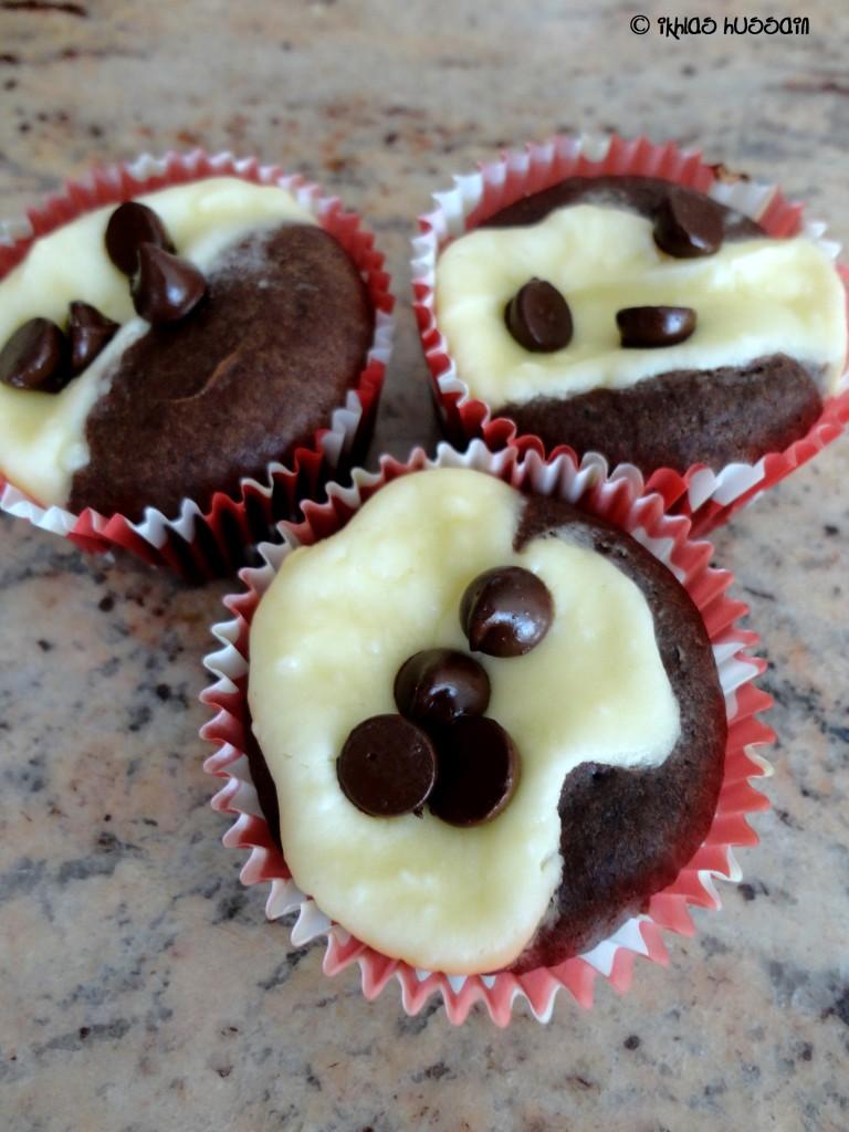 Tuxedo Cheesecake Cupcakes
