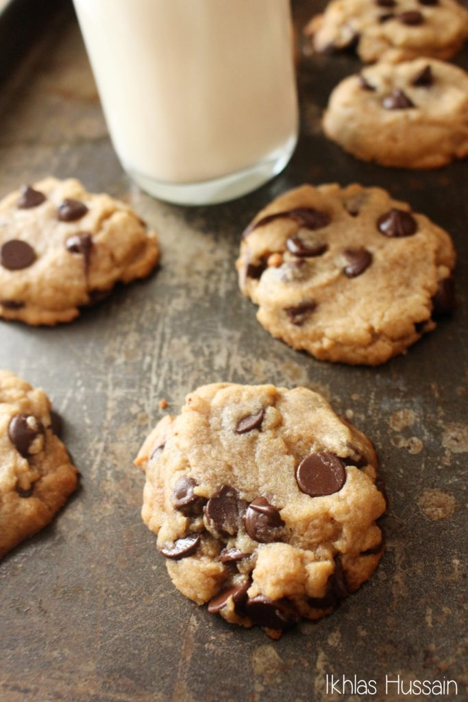 Chewy Peanut Butter Cookies with Chocolate Chips